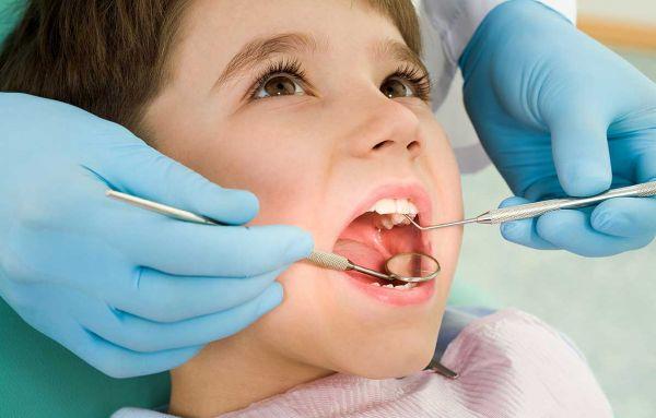 От чего происходит выпадение зубов